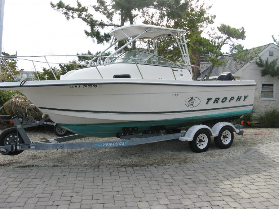 F s 2000 23 39 bayliner trophy walk around for 2000 dollar cabin