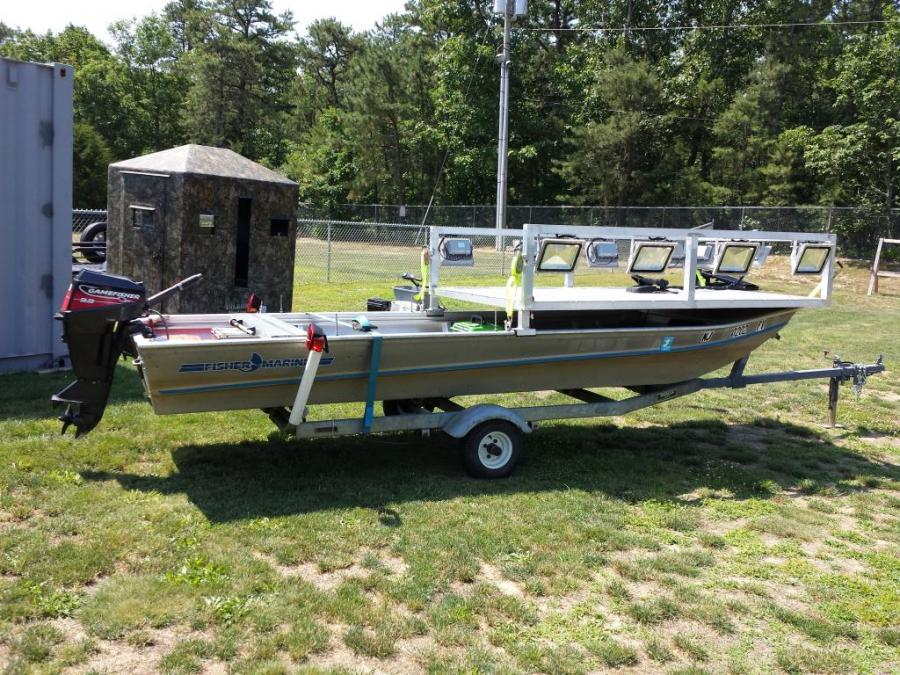 15 39 bowfishing boat for sale ready to stick fish for Bow fishing platform