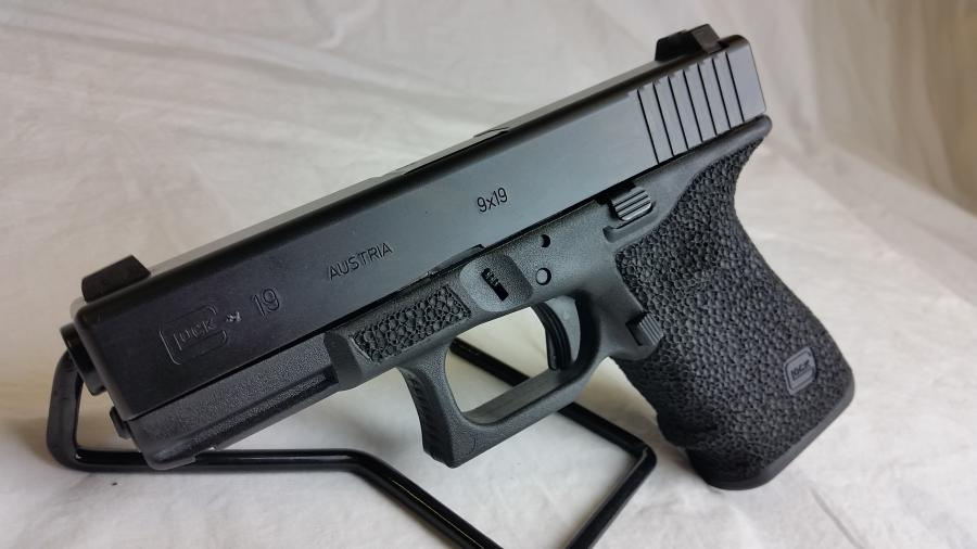 Glock 19 Stippled