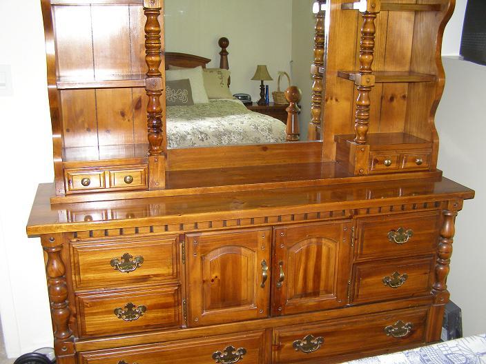 Older Broyhill Bedroom Sets 704 x 528