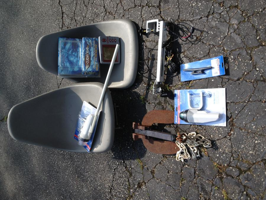 small boat accessories package including depth finder. lnib $125, Fish Finder