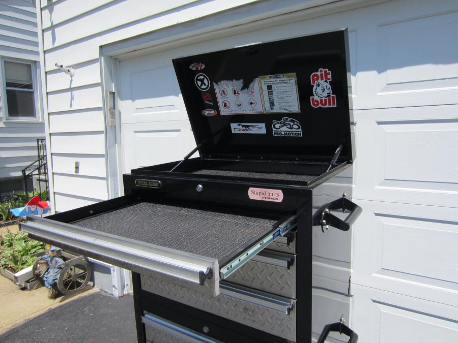 Steel Glide 27 In 8 Drawer Tool Chest With Diamond Plate